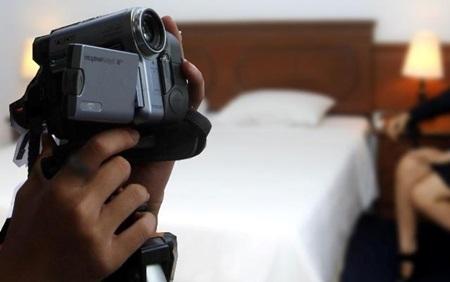 Polisi Tangkap Pasutri Pemain Film Porno di Jakarta Selatan