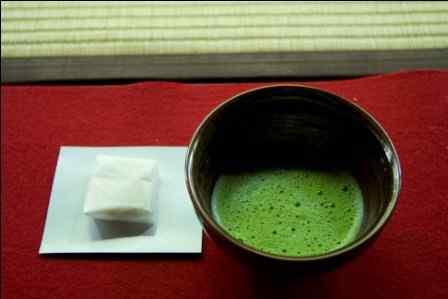 manfaat teh basi untuk wajah