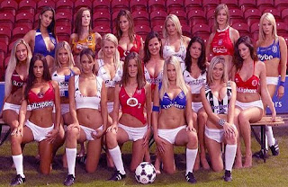 Hot girls playing football 13
