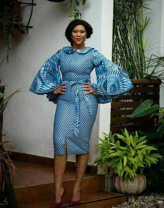 Simple blue Ankara short gown style