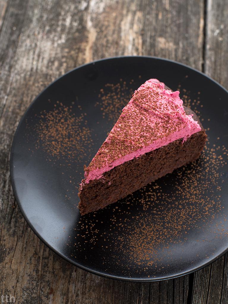 Mocno czekoladowe ciasto z buraka - przepis weganskie, bezglutenowe, bez cukru)