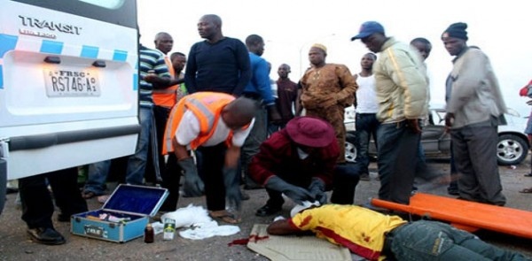 Accident Kills Bus Conductor, Injured Six In Ogun State