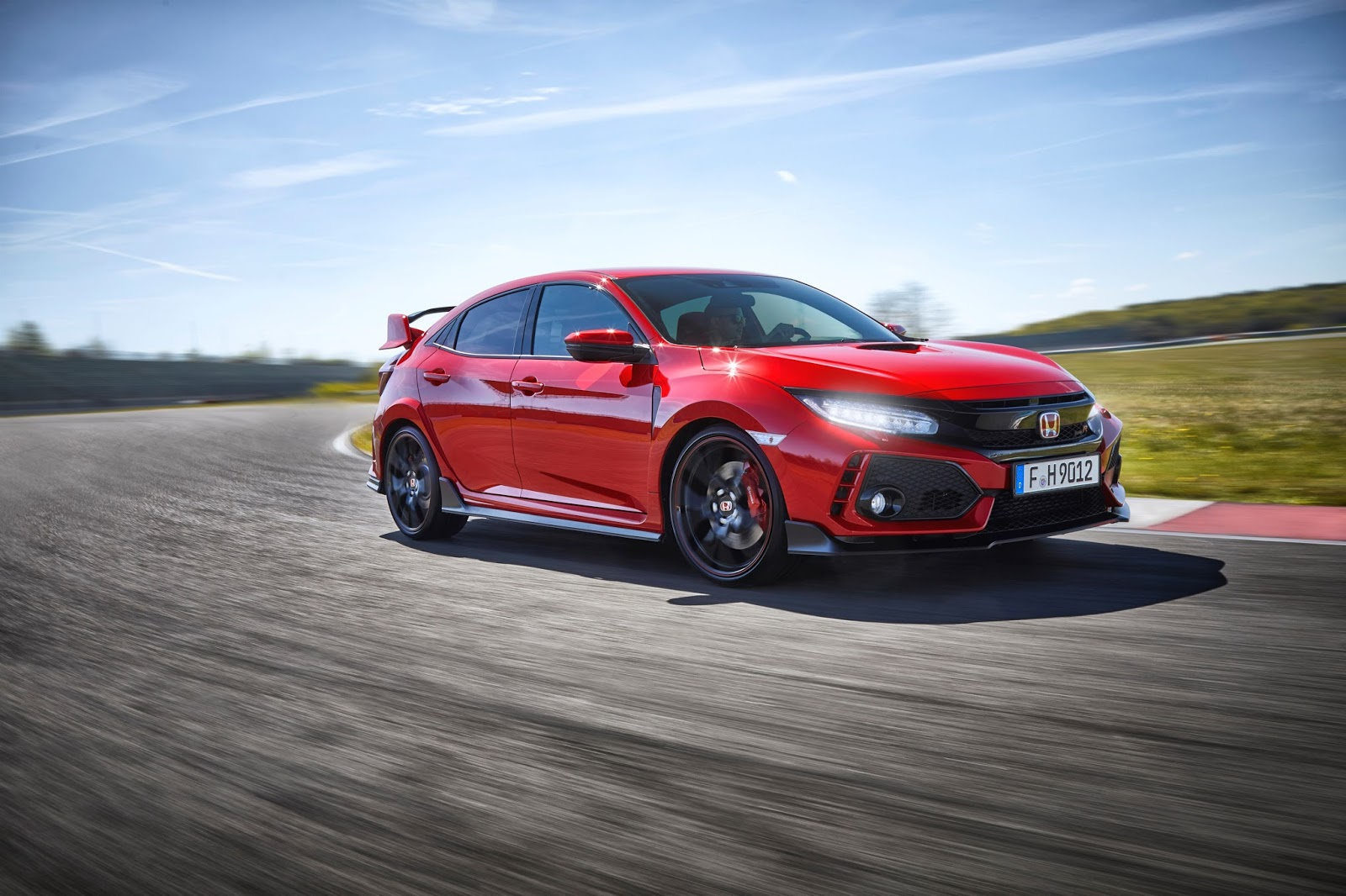 Το Honda Civic Type R αναδείχτηκε 'Best Performance Car'