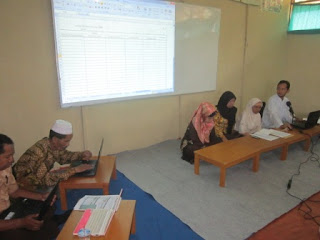 Pertemuan Guru dan wali murid MI Al Raudlah