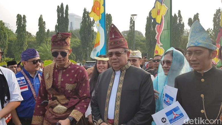 Portal Bersama Ketum Partai Demokrat Pd Susilo Bambang Yudhoyono Sby Walk Out Meninggalkan Acara Deklarasi Kampanye Damai Pemilu