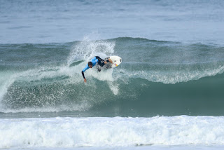 20 Kanoa Igarashi rip curl pro portugal foto WSL Kelly Cestari