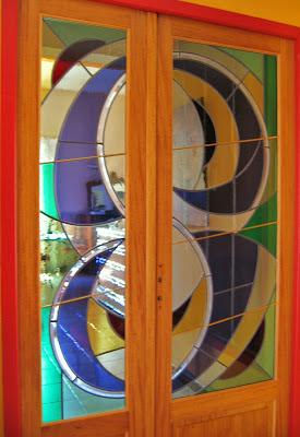 Vitrail, verres de couleur montés en plomb, porte