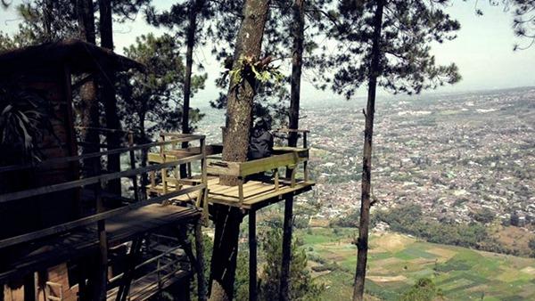 omah kayu - Tempat Wisata Romantis di Batu Malang