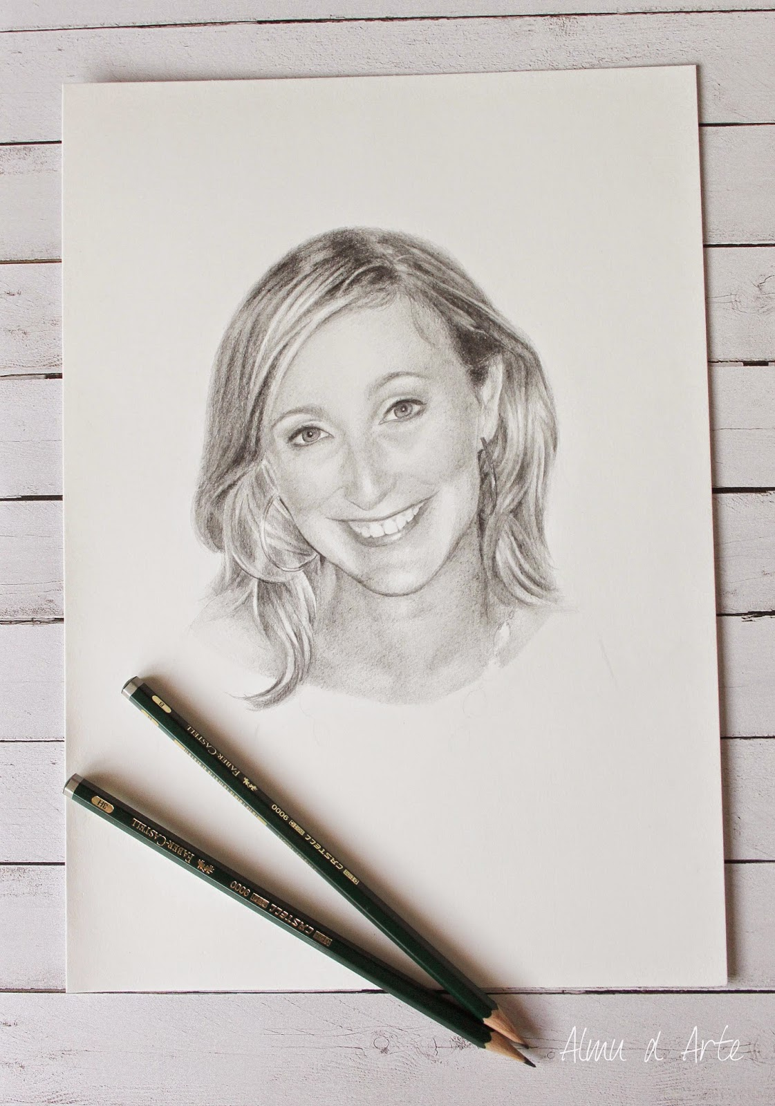 Retrato femenino a lápiz