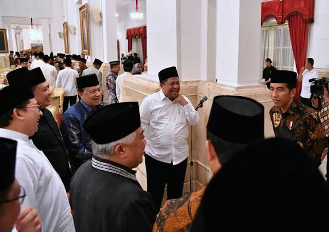 Di Medsos Komentarnya Kayak Macan Lapar, Giliran Ketemu Langsung Pak Dhe Jokowi Duo Fadli Zon dan Fahri Hamzah.....