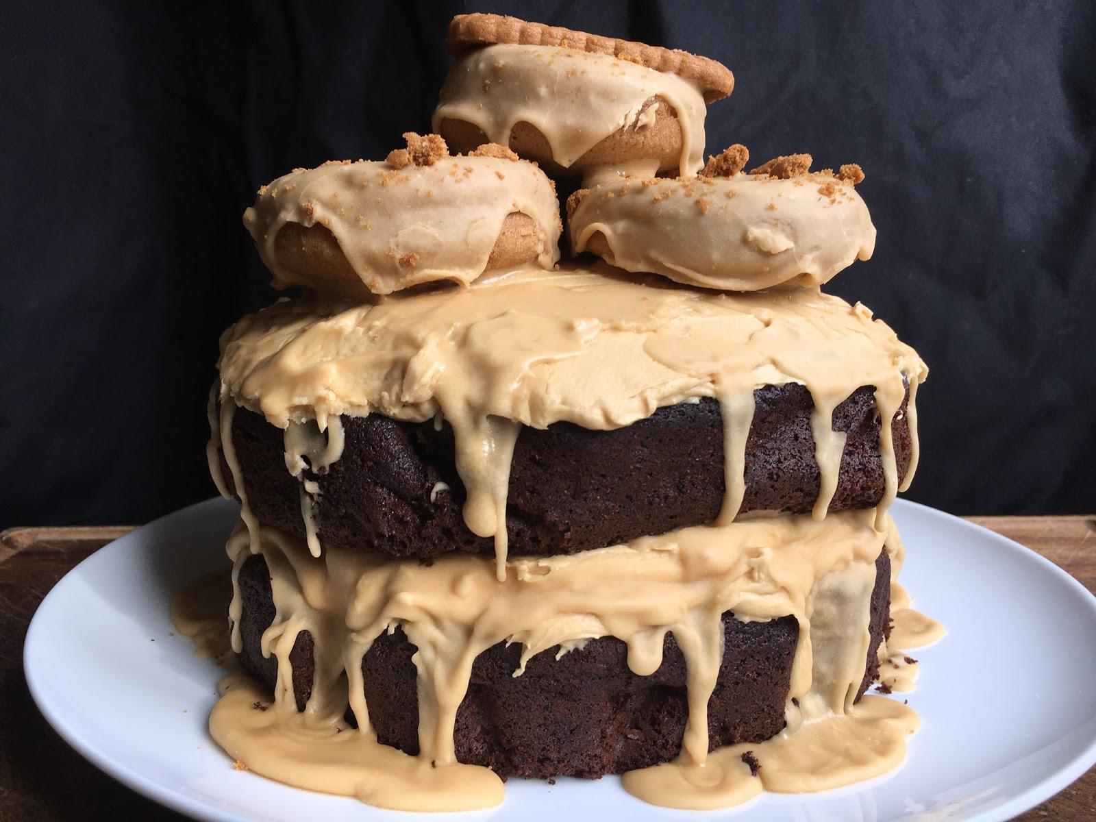 Vegan Lotus Biscoff Cake