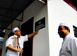 Image result for nik amar+rasmi
