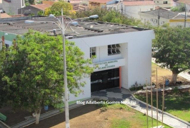 MPE/AL, cumpre mandados de busca e apreensão  na  Prefeitura de Delmiro Gouveia
