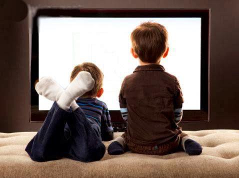 567c27bb3 Estamos deslumbrados com o computador e a Internet na escola e vamos  deixando de lado a televisão e o vídeo