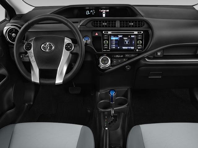 Toyota Prius C - interior