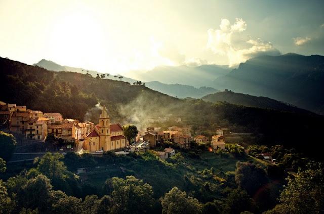 Corsica, Prancis