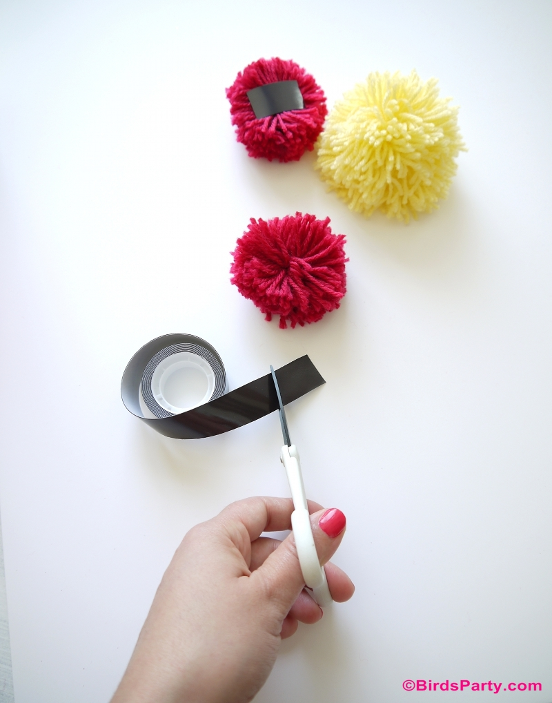 DIY Pompom Fridge Magnets - BirdsParty.com