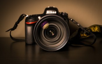 Wallpaper: Nikon DSLR Camera