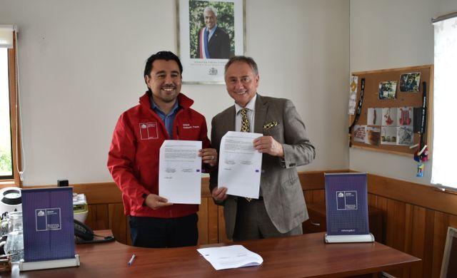Alcalde Rolando Peña y Helmut Palma, Seremi de las Culturas