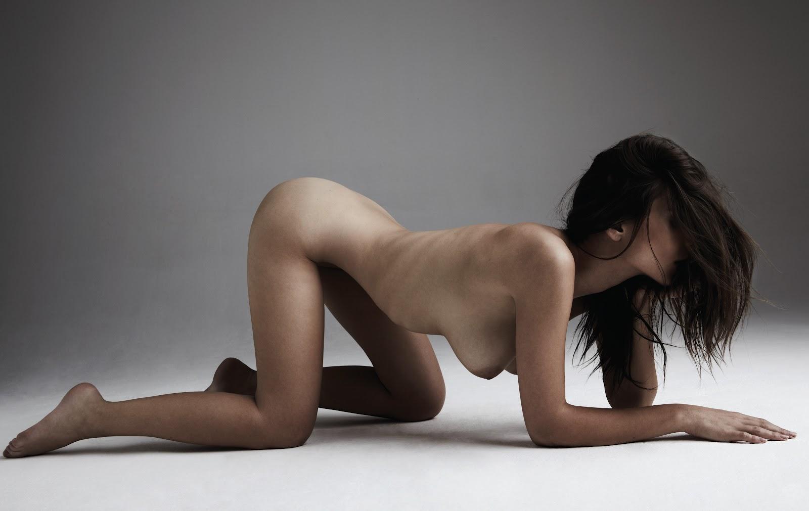 Emily Ratajkowski Nude In Treats Magazine ~ Candid Magz