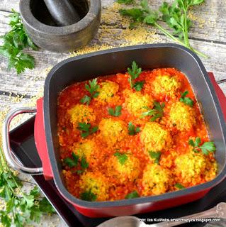 https://smacznapyza.blogspot.com/2016/09/pulpety-z-zolciaka-i-kaszy-jaglanej-w-sosie-pomidorowym.html