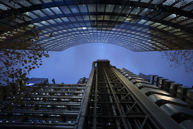Looking up -Financial District - London Cityscape photography tips - Ashley Laurence - Time for Heroes Photography