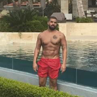 Drake Shirtless 2017