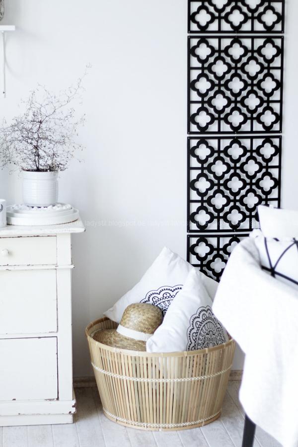 Deko-Donnerstag mit einem Wohnzimmer Update, Deko-Ideen, Inspirationen,Boho-Elemente,schwarz weiß Holz Dekoration, Wanddeko von Depot