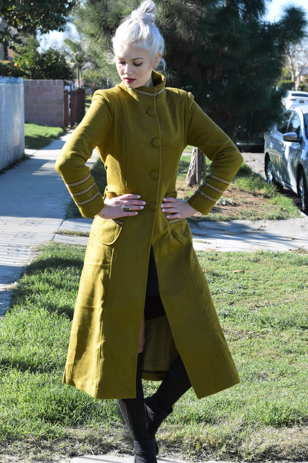 Green coat, jolly chic, german blondy, how to wear a green coat, long coat, heels