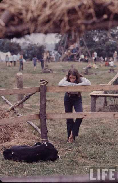 Girls Of Woodstock The Best Beauty And Style Moments From