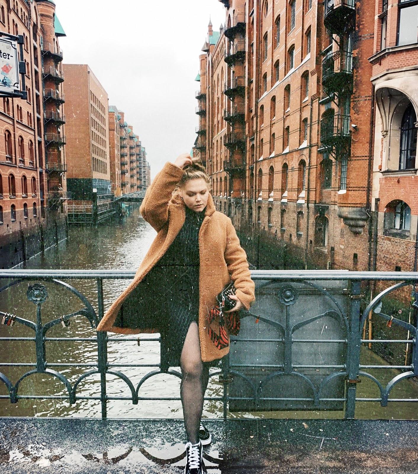 Outfit: Hamburg.