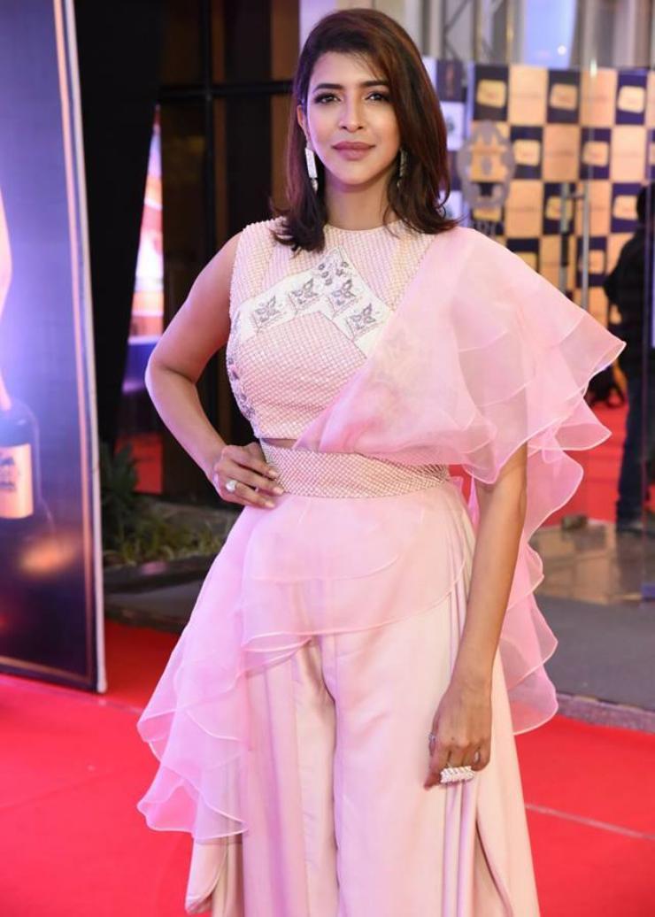 Beautiful Indian Girl Model Lakshmi Manchu Photos At Mirchi Music Awards South 2018
