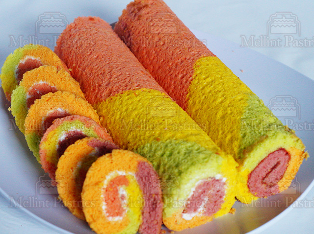 roll cake rainbow