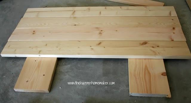 جمع القطع الخشبية مع بعض