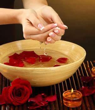 فوائد ماء الورد وإستخداماته