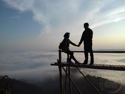 FOTO : Bukit Pamoyanan, Negeri Diatas Awan
