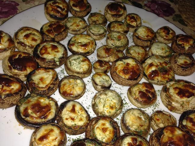 Пълнени-гъби-със-сирена-Stuffed-mushrooms-with-cheese