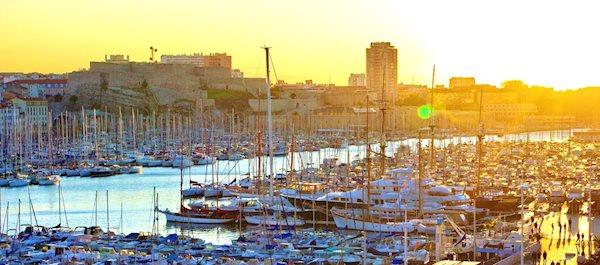 Pour votre voyage Marseille, comparez et trouvez un hôtel au meilleur prix.  Le Comparateur d'hôtel regroupe tous les hotels Marseille et vous présente une vue synthétique de l'ensemble des chambres d'hotels disponibles. Pensez à utiliser les filtres disponibles pour la recherche de votre hébergement séjour Marseille sur Comparateur d'hôtel, cela vous permettra de connaitre instantanément la catégorie et les services de l'hôtel (internet, piscine, air conditionné, restaurant...)