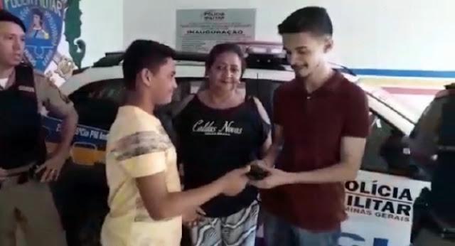 Adolescente encontra carteira com R$693 em Pedra Azul e devolve ao dono