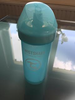 Le Kid Sippy Cup de Twistshake,tremplin entre biberon et verre