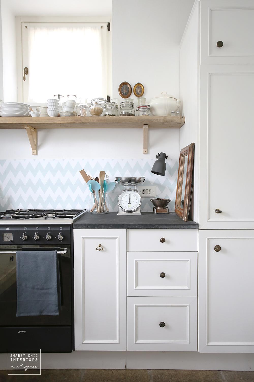 Tutti i cambiamenti nella mia cucina shabby chic interiors for Parati da cucina