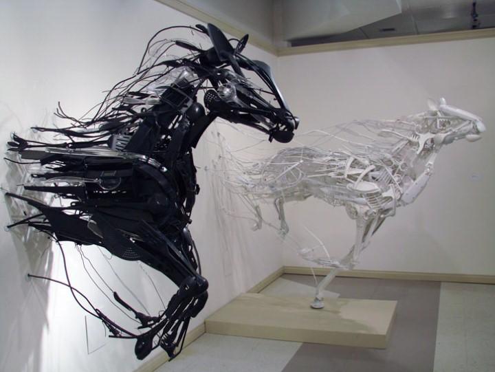 Скульптуры из отходов. Sayaka Ganz 5