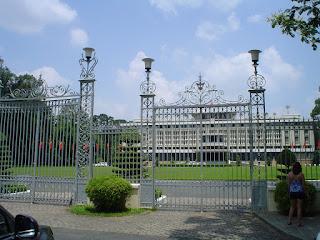 Cancello del Palazzo della Riunificazione a Saigon