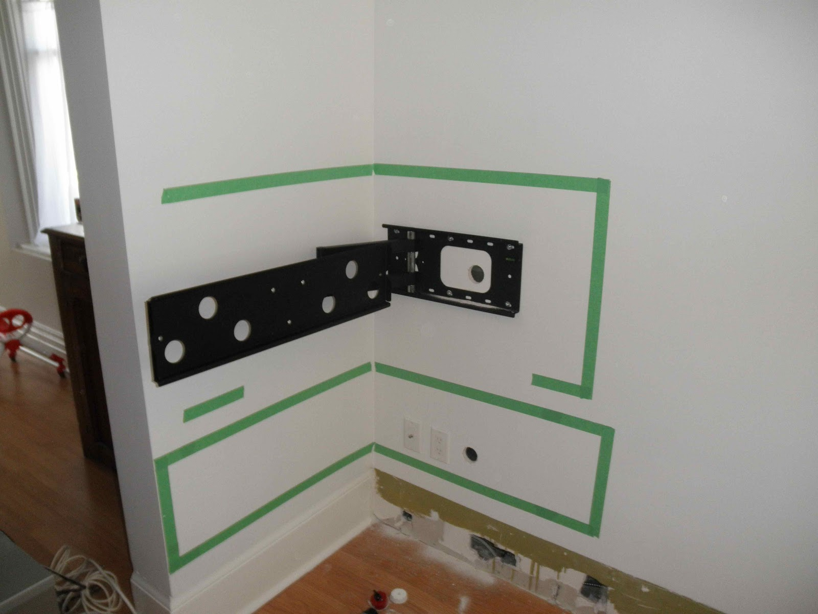 loving albany: Corner Wall Mounting a TV to Drywall Only