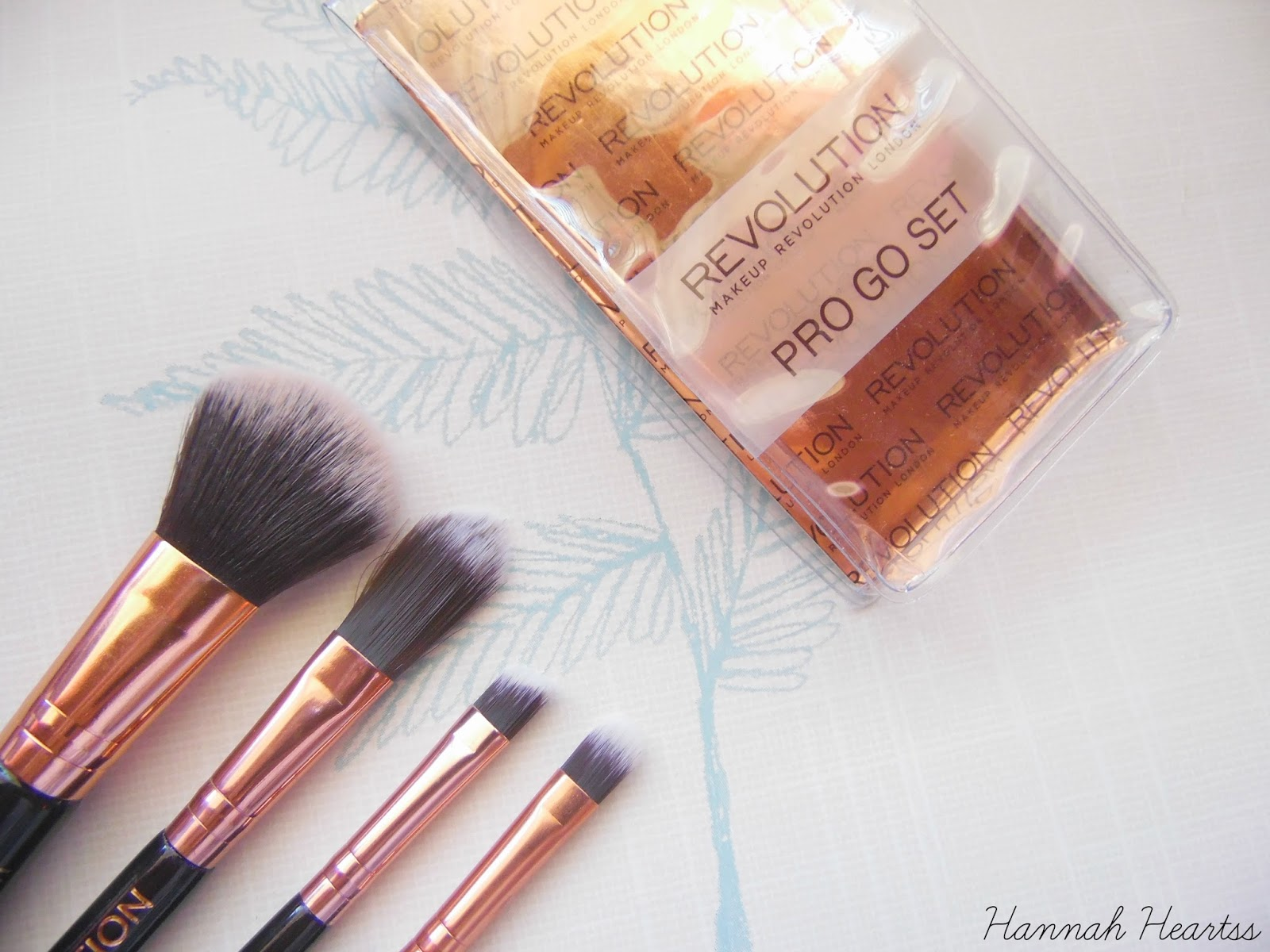 Makeup Revolution Pro Go Mini Brush Set