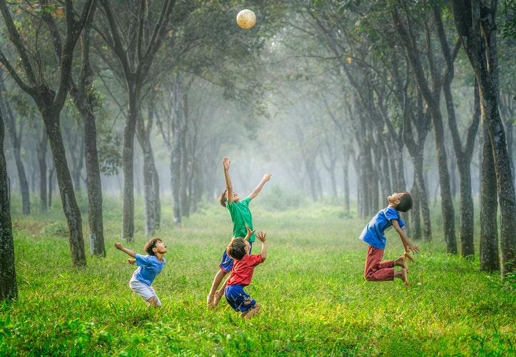 كيفية تحسين المهارات الاجتماعية لدى الأطفال الصغار.