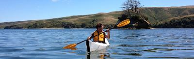 Kayak portátil para aventureros.