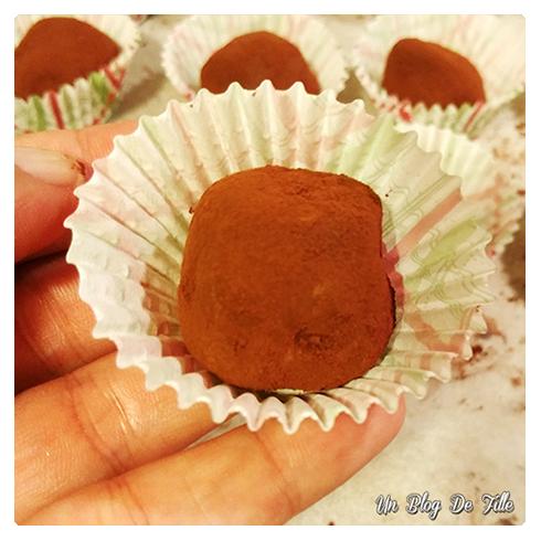 http://unblogdefille.blogspot.fr/2017/12/recette-truffes-en-chocolat-thermomix.html
