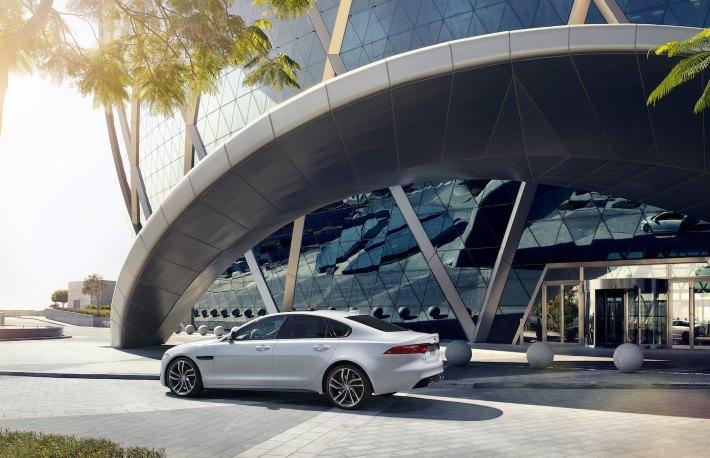 Image 11: 2016 Jaguar XF