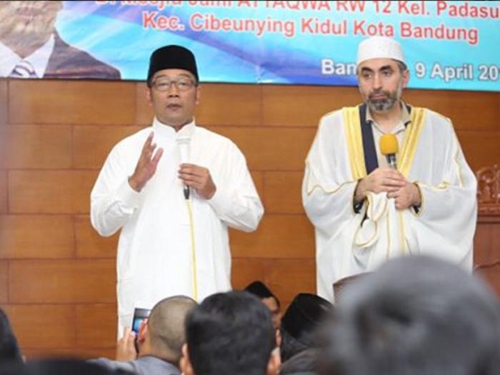 Gerakan Sholat Subuh Berjamaah di Cibeunying Kidul Bersama Imam Besar Masjid Washington